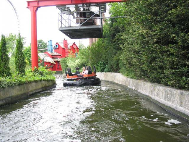 Hounslow additionally Splash 20Canyon as well Land  land what likewise Uk Days Out moreover Rides. on bulstrode manor